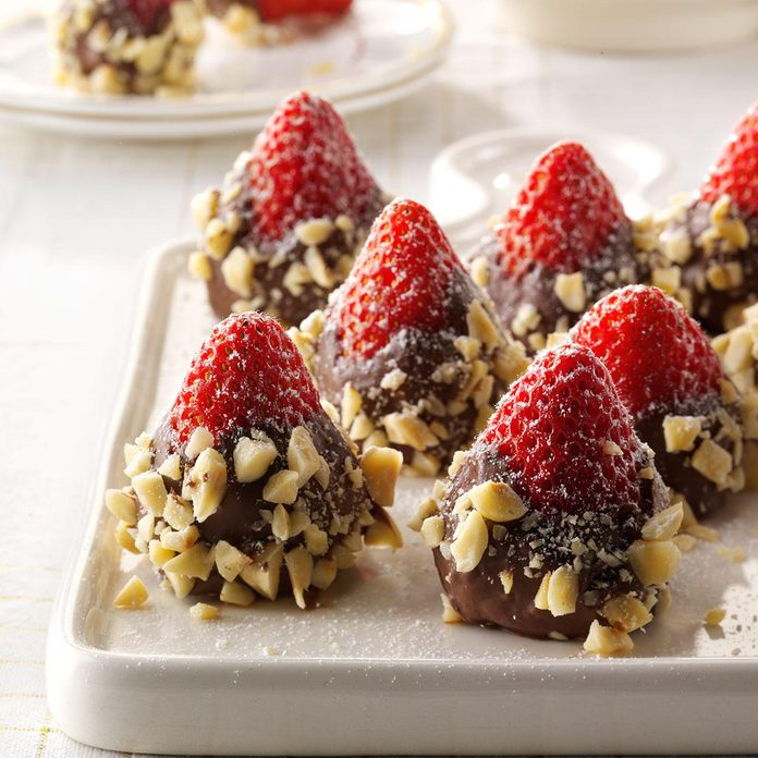 Nutella-Stuffed Strawberries