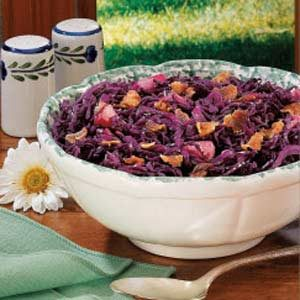 Sweet-Sour Red Cabbage with Bacon