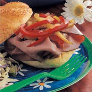 Pepper-Topped Beef Sandwiches