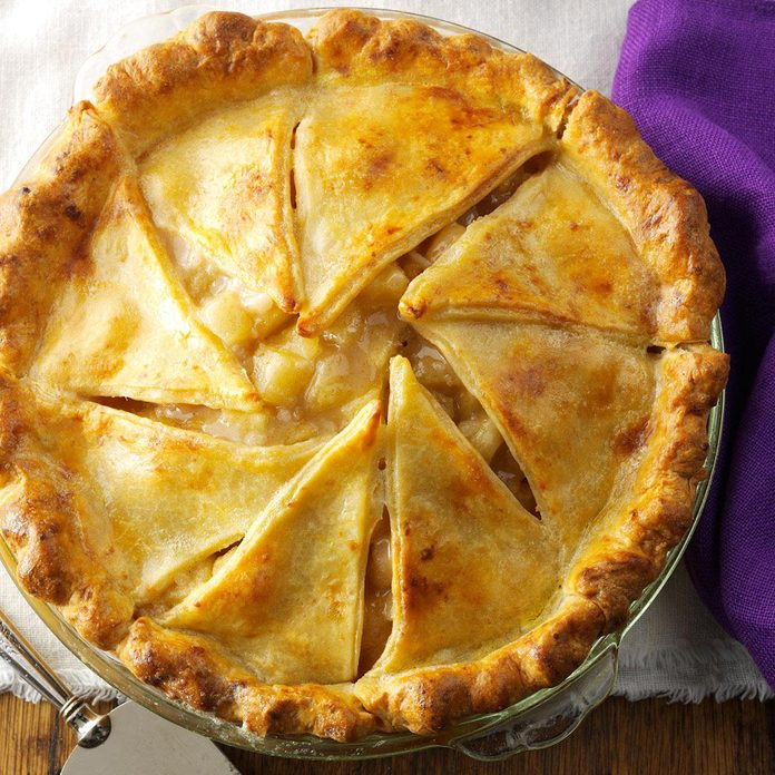 Massachusetts: Apple Pie with Cheddar Crust