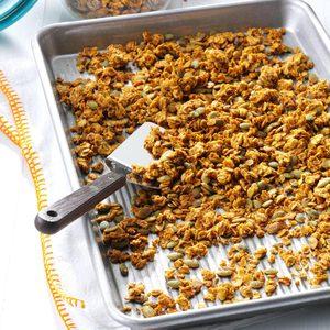 Pumpkin Pie-Spiced Granola