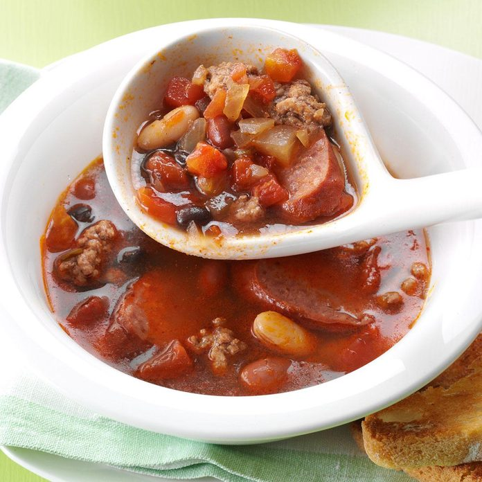Hearty Beef & Bean Soup