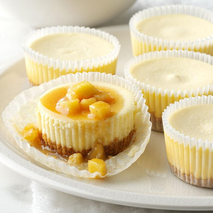 Easy Mini Caramel Apple Cheesecakes