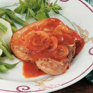 Pork Chops in Tomato Sauce