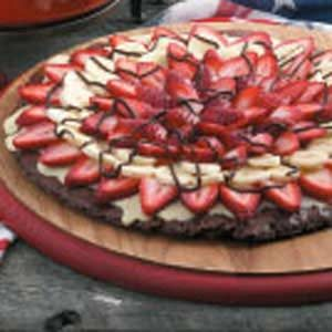 Banana-Berry Brownie Pizza