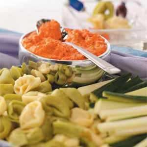Tortellini with Roasted Red Pepper Dip