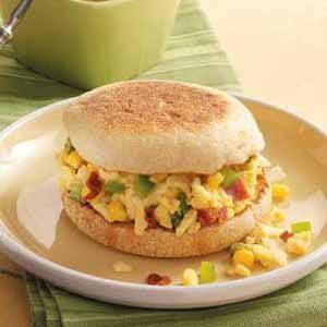 Spicy Scrambled Egg Sandwiches