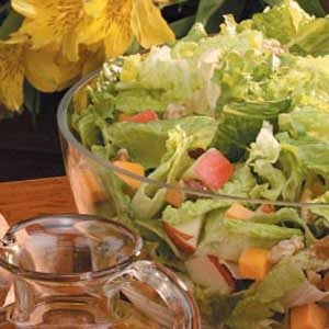 Apple-Cheddar Tossed Salad