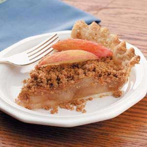 Peanut Butter Crumb Apple Pie