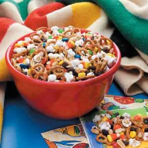 Sweet 'n' Salty Snack Mix