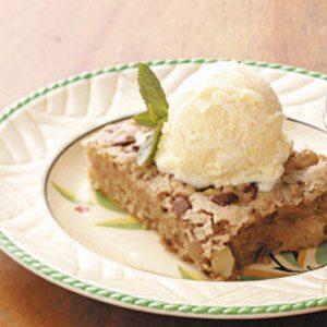 Walnut-Apple Snack Cake