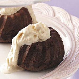 Chocolate Cake with Ice Cream Sauce