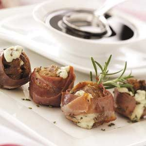 Gorgonzola Figs with Balsamic Glaze