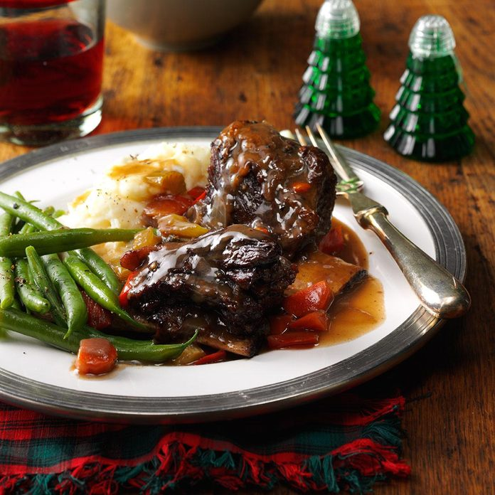 Braised Short Ribs with Gravy