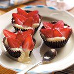 Berry & Cream Chocolate Cups