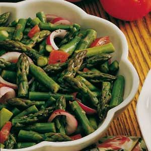 Asparagus-Tomato Salad with Dressing