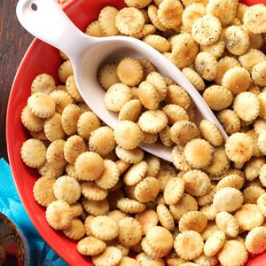 Pizza Oyster Crackers