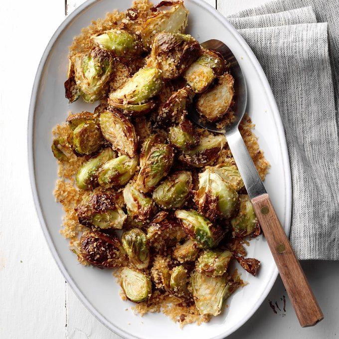 Air Fryer Garlic Rosemary Brussels Sprouts Exps Thn18 227185 E06 06 3b 17