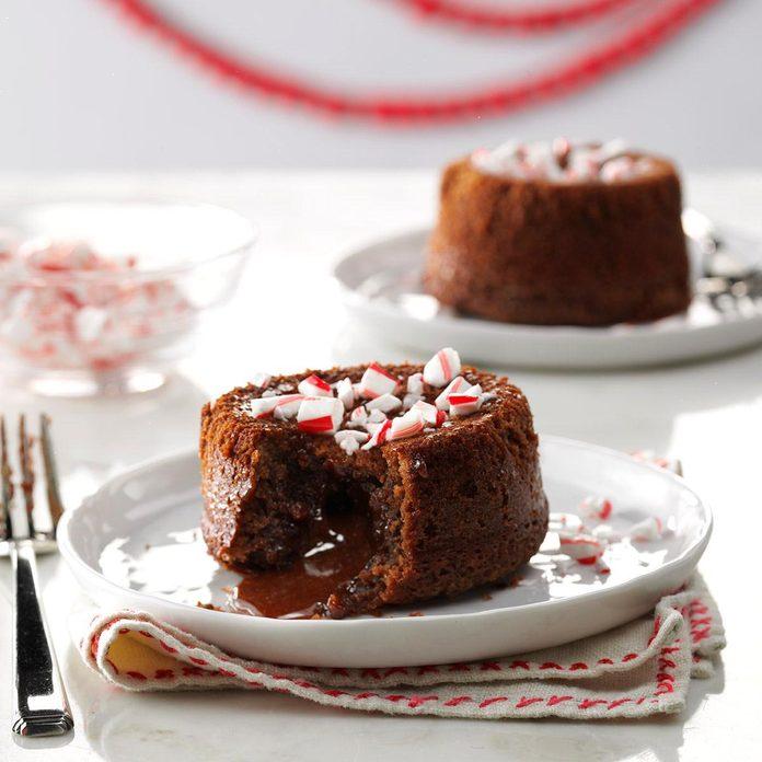 Peppermint Lava Cakes Exps Thca17 227180 A6 01 5b 2