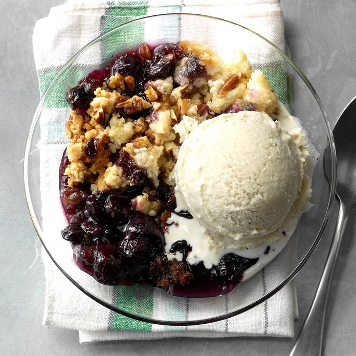 Slow-Cooker Blueberry Cobbler
