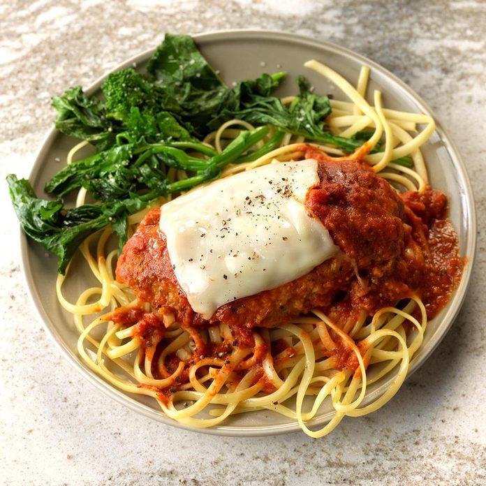 Slow Cooker Chicken Parmesan Exps Edsc18 202467 C01 04 2b 2