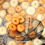 7 Mistakes Everybody Makes When Deep Frying