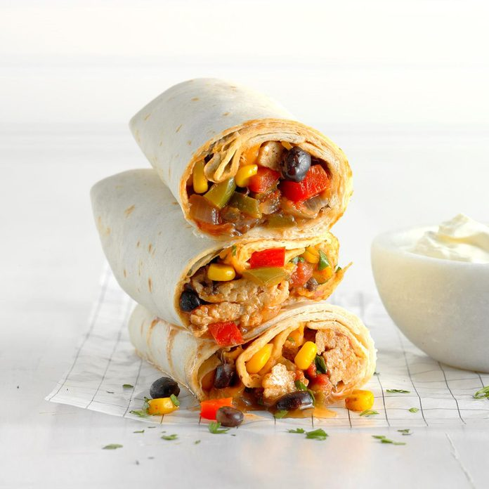 Black Bean Chicken Burritos Exps Sdas18 212425 D03 28  1b 3