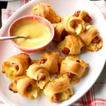 Apple-Gouda Pigs in a Blanket