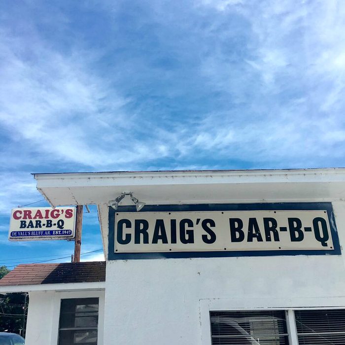Craigs BarBQ outside