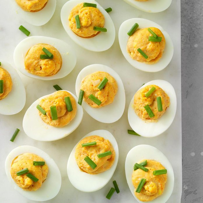 Roasted Garlic Deviled Eggs Exps Cplbz19 192481 E11 01 6b 4