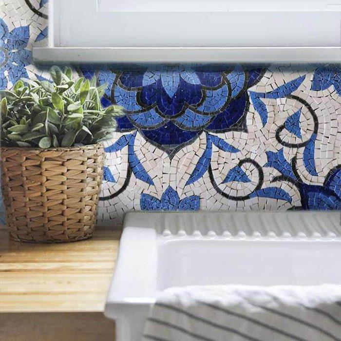 Fancy blue and white mosaic backsplash