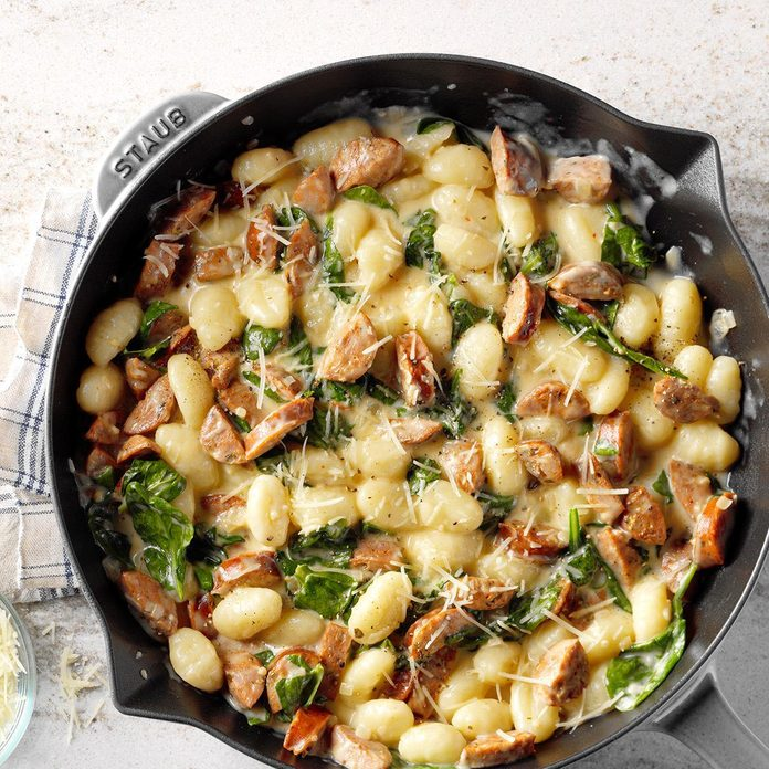 Gnocchi With Spinach And Chicken Sausage Exps Sdon18 126406 B06 15 7b 19