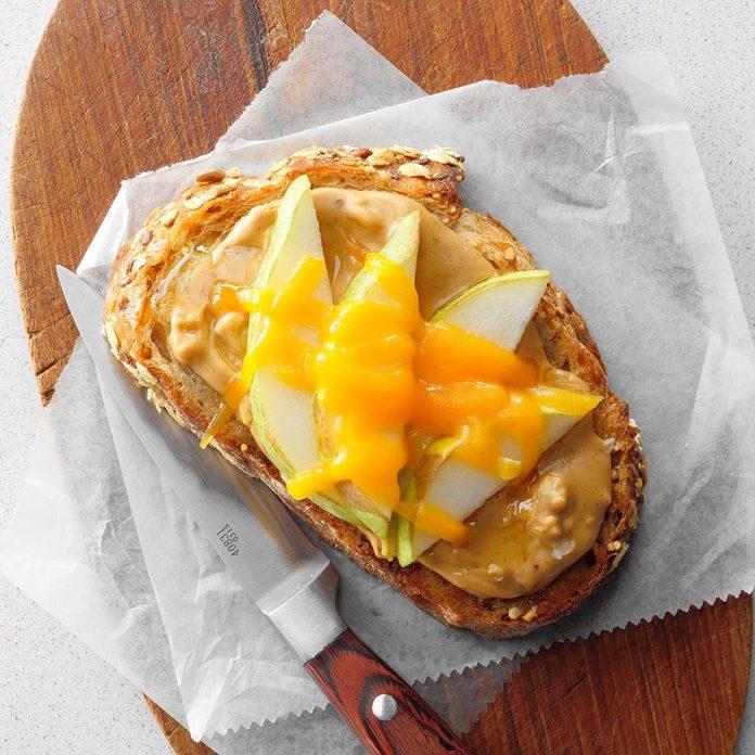 Peanut Butter Honey Pear Open Faced Sandwiches Exps Thn18 165203 B06 01 4b 4