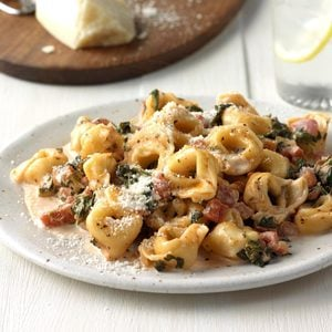 Tortellini with Tomato Spinach Cream Sauce