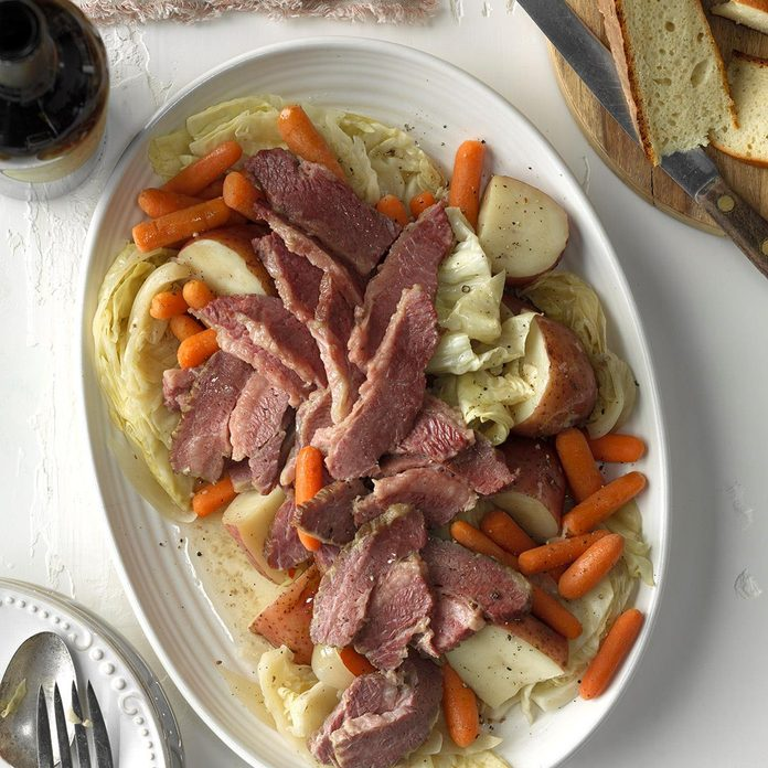 Pressure Cooker Easy Corned Beef And Cabbage Exps Scmbz17 207897 C01 18 2b 4