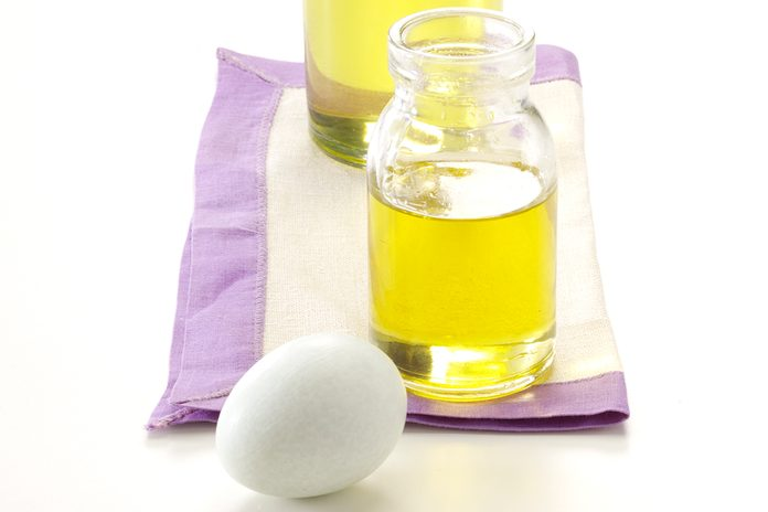 olive oil and egg white hair treatment mask