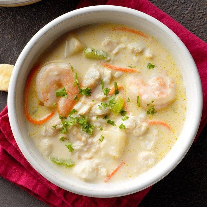 Rich Seafood Chowder Exps Sddj19 225763 B07 19 2b 1