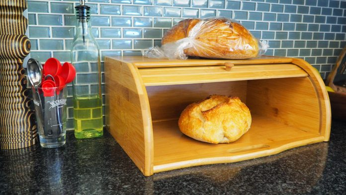 how to keep bread fresh in a bread box