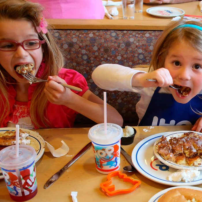 Kids eating at Ihop