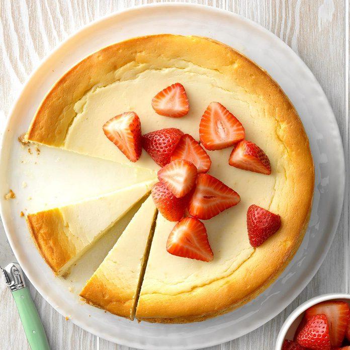 Yogurt Ricotta Cheesecake Exps Thfm19 229041 B09 27 5b 4