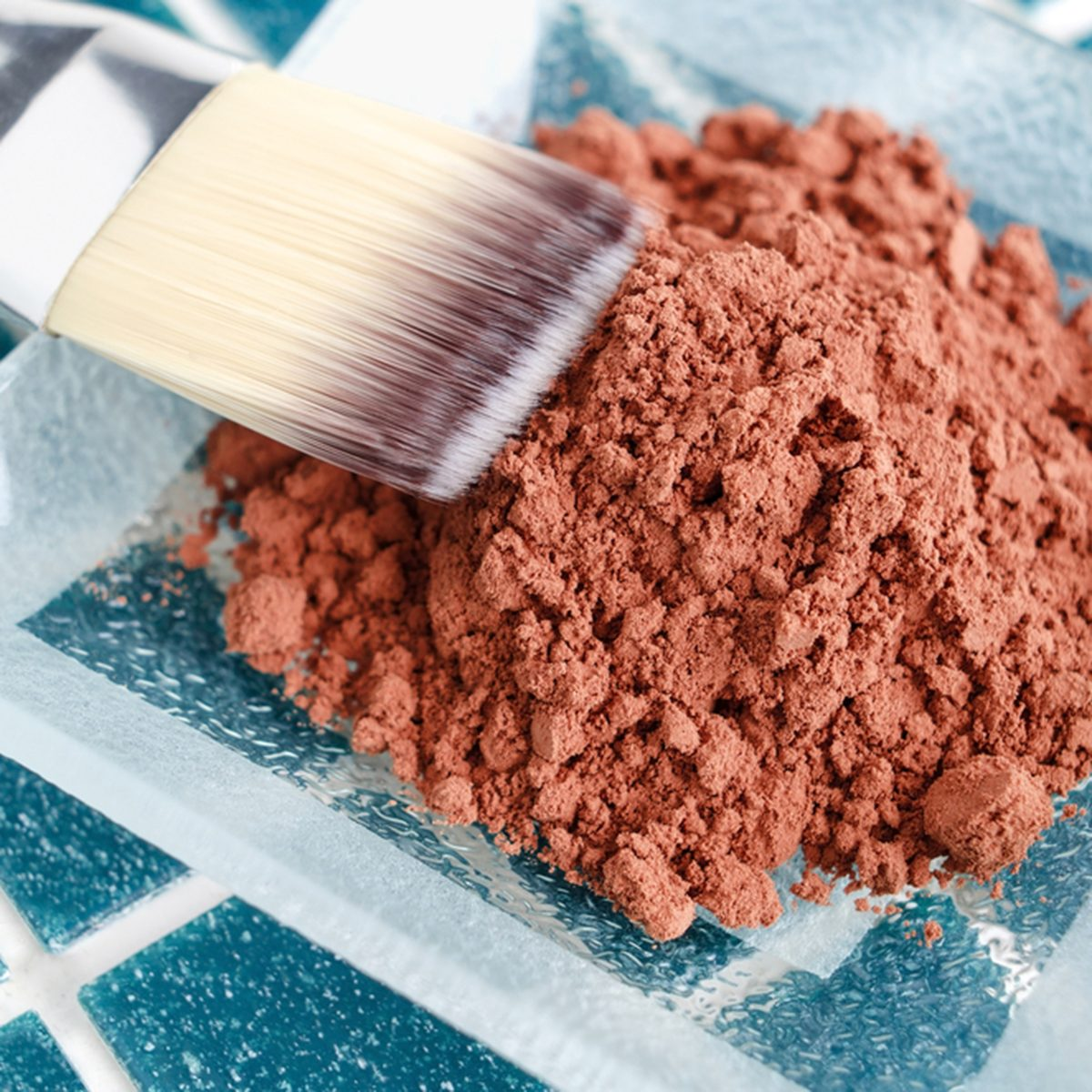 Cosmetic mask made of cocoa powder