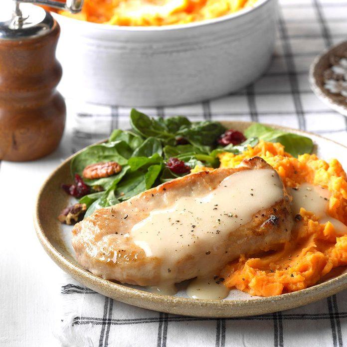 Slow Cooker Pork Chops Exps Wrsm17 32059 C03 22 3b Basedon 3