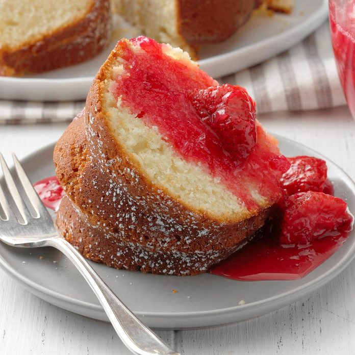 Lemon Rhubarb Bundt Cake Exps Thjj19 233234 E02 20 8b 4
