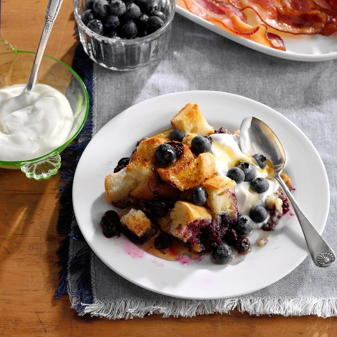 Cinnamon Blueberry French Toast Exps Sdam17 201165 B12 08 9b Basedon 1