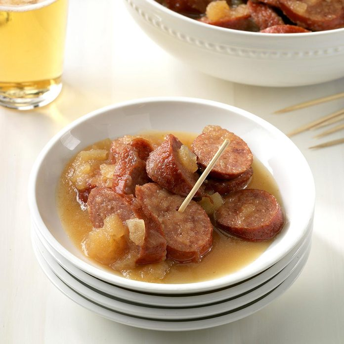Slow Cooker Sausage And Apples Exps Thedscodr19 52392 C02 12 3b 1