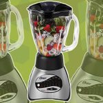 This 16-Speed Oster Blender Is the Best Deal on Amazon Right Now