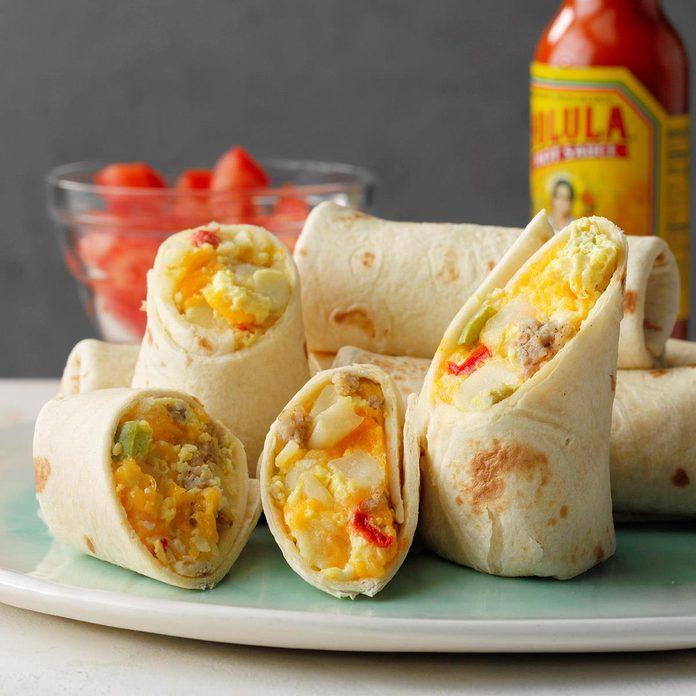 Slow Cooker Breakfast Burritos Exps Tohas19 237919 E04 18 3b 1