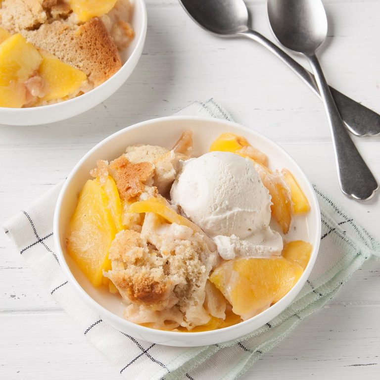 Slow Cooker Peach Cobbler Exps Ft19 244260 F 0724 1 5