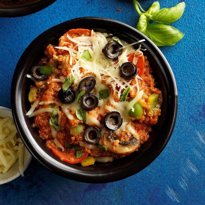 Supreme Pizza Quinoa Bowl  Exps Tohon19 237927 B06 05 6b 2