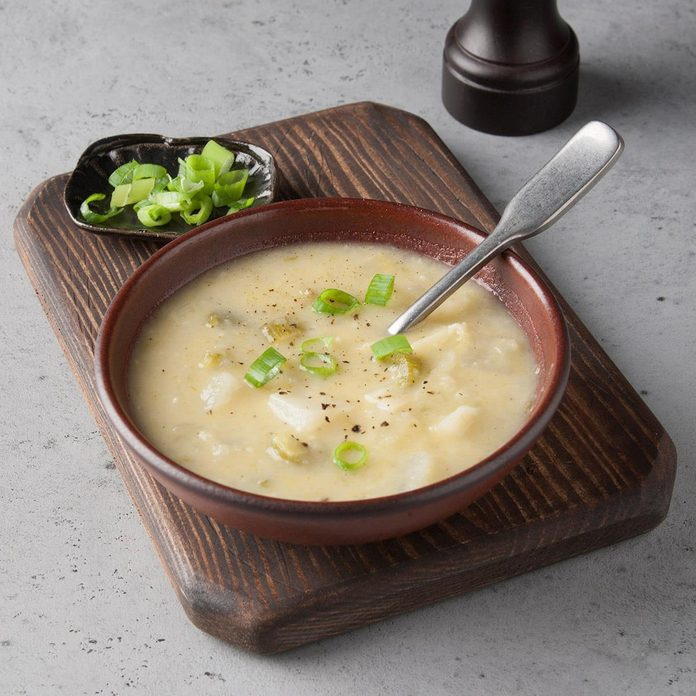 Vegan Potato Leek Soup Exps Ft19 244632 F 0815 1 1